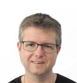 Martin Kjeldgaard, kapelmester, keyboard - Skansespillet 2019, Alice i Eventyrland, Bag Spejlet